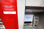 Nederland, Wognum,  , 12-10-2009  DSB bank pin automaat in Wognum buiten bedrijf.FOTO: Gerard Til /  Hollandse Hoogte