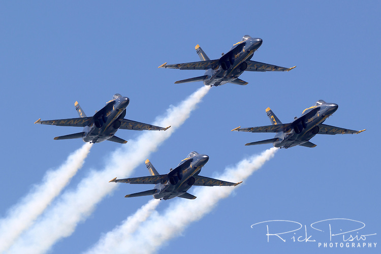 Blue Angel diamond formation in flight.
