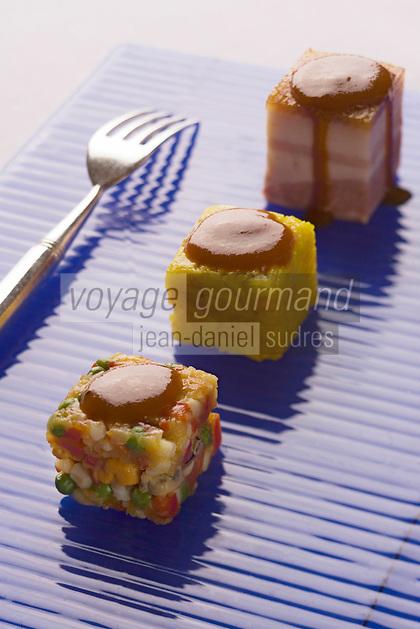 Europe/France/Rhone-Alpes/74/Haute-Savoie: Paella décomposée avec lard épais, riz et crustacés en cubes, recette de Marc Veyrat