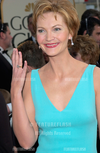 Actress JOAN ALLEN at the 2001 Golden Globe Awards at the Beverly Hilton Hotel..21JAN2001.  © Paul Smith/Featureflash