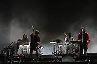 SAO PAULO, SP, 05.04.2014 - LOLLAPALOOZA / PHOENIX - Show da banda Phoenix durante o primeiro dia do Festival Lollapaloza no Autodromo de Interlagos na regiao sul da cidade de Sao Paulo neste sabado. (Foto: Vanessa Carvalho / Brazil Photo Press.)