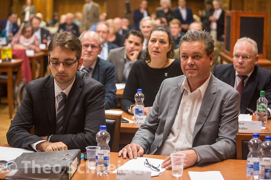AfD-Stadtratskandidat Bernd Geschanowski neben dem Fraktionsvorsitzenden Alexander Bertram nach dem zweiten gescheiterten Wahlgang. // Konstituierende Sitzung der BVV Treptow-Köpenick