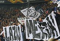"""Frankfurter Fans provozieren die römischen Fans mit """"Lazio Merda"""" (Lazio Schweine) - 04.10.2018: Eintracht Frankfurt vs. Lazio Rom, UEFA Europa League 2. Spieltag, Commerzbank Arena, DISCLAIMER: DFL regulations prohibit any use of photographs as image sequences and/or quasi-video."""