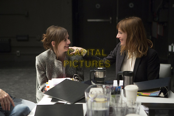 Doll &amp; Em   (2013-)<br /> (Season 2)<br /> Emily Mortimer, Dolly Wells<br /> *Filmstill - Editorial Use Only*<br /> CAP/FB<br /> Image supplied by Capital Pictures