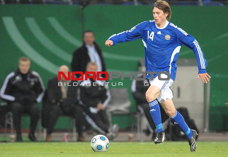 Fussball, L&auml;nderspiel, WM 2010 Qualifikation Gruppe 4  14. Spieltag<br />  Deutschland (GER) vs. Finnland ( FIN ) 1:1 ( 0:1 )<br /> <br /> Kasper H&auml;m&auml;l&auml;inen (Finnland # 14) <br /> <br /> Foto &copy; nph (  nordphoto  )