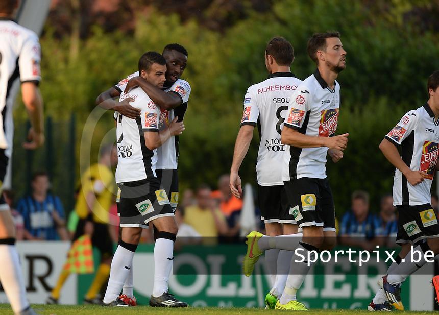 KSV Roeselare - Club Brugge KV : vreugde bij Roeselare na de 1-0 na een strafschopdoelpunt van Davy Brouwers (links) <br /> foto VDB / BART VANDENBROUCKE