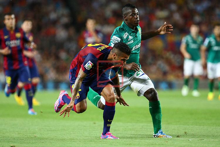 49e Trofeu Joan Gamper.<br /> FC Barcelona vs Club Leon FC: 6-0.<br /> Dani Alves vs Yamilson Rivera.
