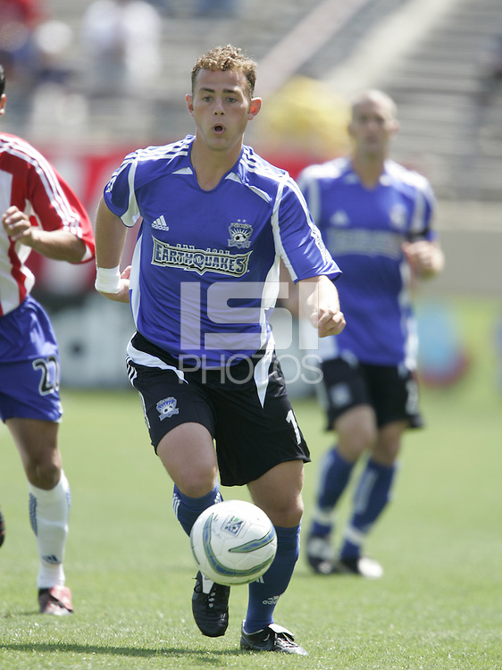 9 April 2005:   Brad Davis of Earthquakes in action against Chivas USA at Spartan Stadium in San Jose, California.   San Jose Earthquakes tied Chivas USA, 3-3.   Credit: Michael Pimentel / ISI