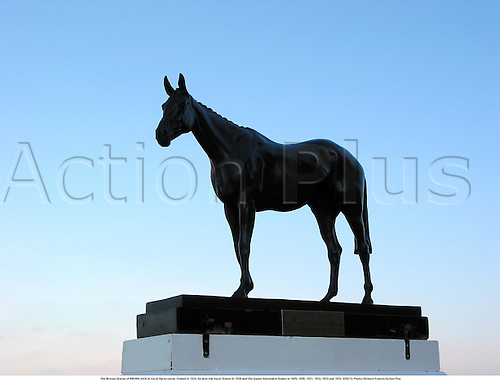 The Bronze Statue of BROWN JACK at Ascot Racecourse. Foaled in 1924, he won the Ascot Stakes in 1928 and the Queen Alexandre Stakes in 1929, 1930, 1931, 1932, 1933 and 1934. 020215. Photo: Richard Francis/Action Plus...2002.horse racing.equestrian sports.racecourses racecourse.venue venues