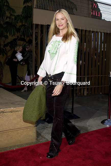 Kelly Lynch arriving at the premiere of Salton Sea at the Egyptian Theatre in Los Angeles. April 23, 2002.