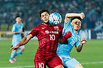 Shanghai FC Forward Givanildo Vieira De Sousa (Hulk) (L) fights for the ball with Jiangsu FC Midfielder Yang Xiaotian (R) during the AFC Champions League 2017 Round of 16 match between Jiangsu FC (CHN) vs Shanghai SIPG FC (CHN) at the Nanjing Olympic Stadium on 31 May 2017 in Nanjing, China. Photo by Marcio Rodrigo Machado / Power Sport Images