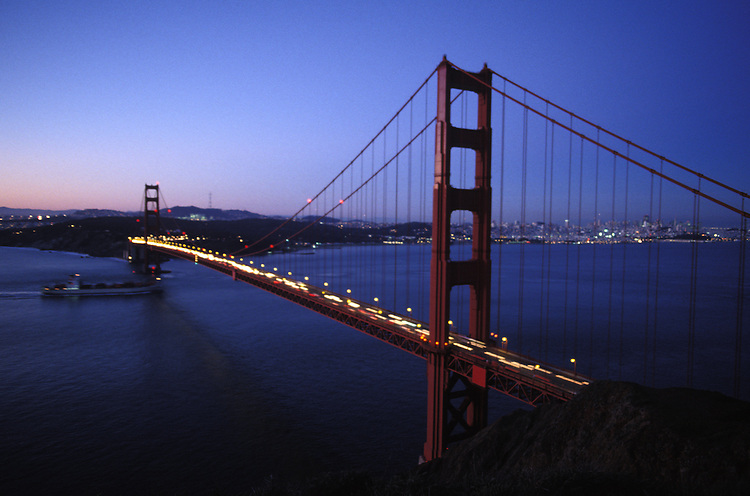 Golden Gate Bridge in the evening, San Francisco California