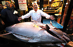 January 5, 2020, Tokyo, Japan - Kiyoshi Kimura, president of sushi restaurant chain Sushi-zanmai displays a 276kg bluefin tuna at his main restaurant in Tokyo on Sunday, January 5, 2020. The tuna was traded with a price of 193 million yen at the New Year's auction at Tokyo's Toyosu fish market on January 5.    (Photo by Yoshio Tsunoda/AFLO)