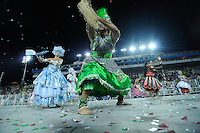 SAO PAULO, SP, 25 DE FEVEREIRO 2012 - DESFILE DAS CAMPEÃS DO CARNAVAL SP - MANCHA VERDE: Integrante da escola de samba Mancha Verde no desfile das Campeãs do Carnaval 2012 de São Paulo, no Sambódromo do Anhembi, na zona norte da cidade, neste sábado.(FOTO: LEVI BIANCO - BRAZIL PHOTO PRESS).