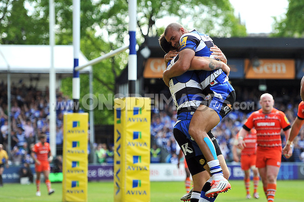 Jonathan Joseph of Bath Rugby congratulates team-mate Matt Banahan on his try. Aviva Premiership semi-final, between Bath Rugby and Leicester Tigers on May 23, 2015 at the Recreation Ground in Bath, England. Photo by: Patrick Khachfe / Onside Images