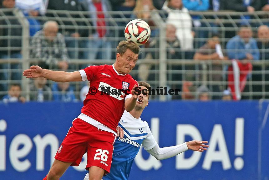 Kopfball Denis Epstein (FSV) - SV Darmstadt 98 vs. FSV Frankfurt, Stadion am Boellenfalltor