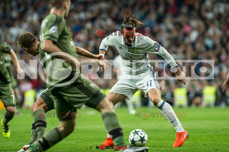 Real Madrid's Garet Bale during the match of UEFA Champions League group stage between Real Madrid and Legia de Varsovia at Santiago Bernabeu Stadium in Madrid, Spain. October 18, 2016. (ALTERPHOTOS/Rodrigo Jimenez) /NORTEPHOTO.COM