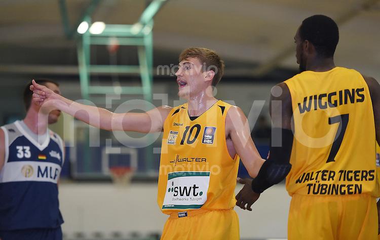Basketball 1. Bundesliga 2013/2014 Testspiel 02.09.2014 Walter Tigers Tuebingen - MLP Academics Heidelberg Till-Joscha Joenke (li, Tigers) und Nick Wiggins (Tigers)