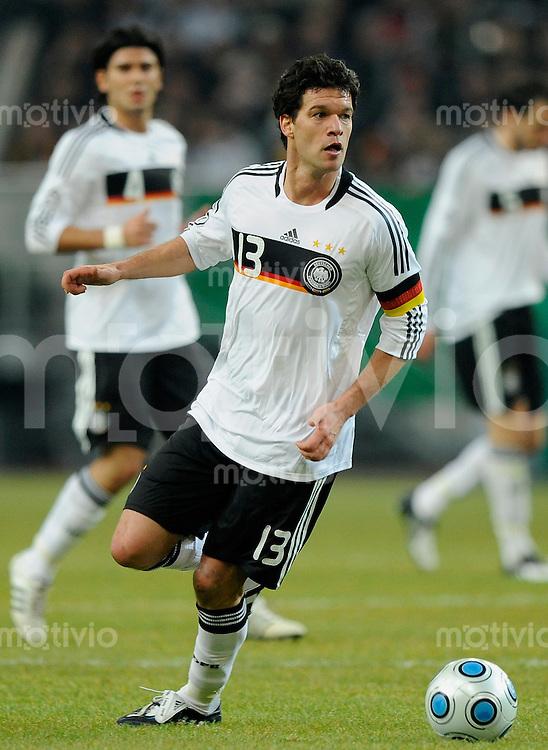 Fussball International 2008/2009 11.02.2009 Freundschaftsspiel Deutschland - Norwegen Michael BALLACK (GER).