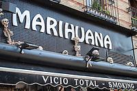Walking in Madrid, Marihuana Vicio Total