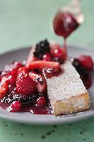 Allumettes de Millas et poêlée de fruits rouges - recette de Christian Constant