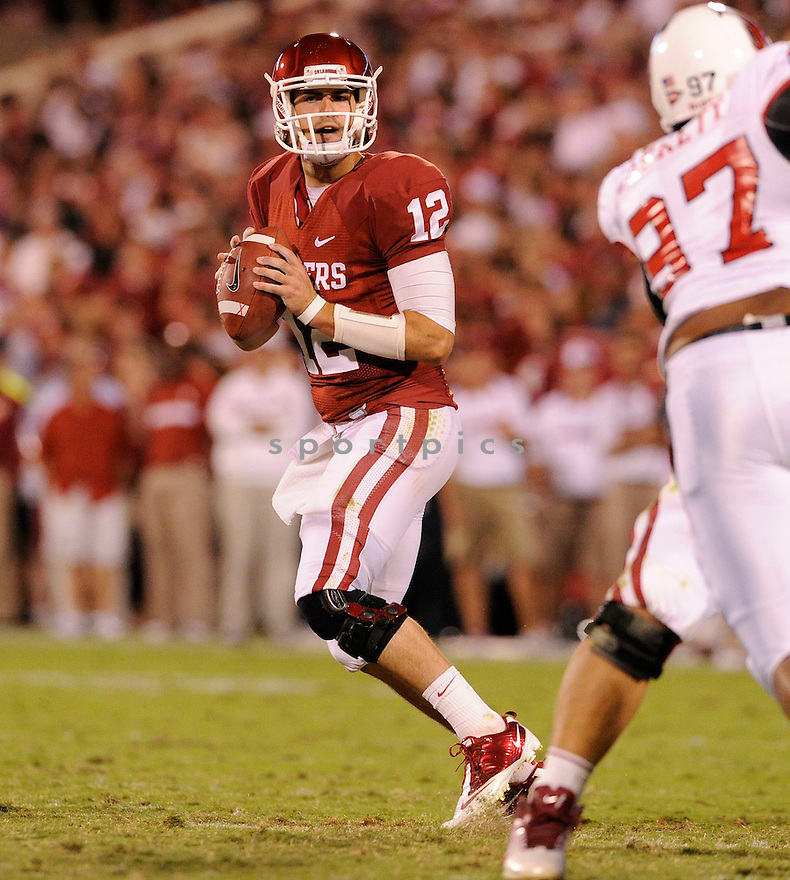 LANDRY JONES, of the Oklahoma Sooners, in action during the Sooners game against the Ball State Cardinals on October 1, 2011 at Gaylord Family-Oklahoma Memorial Stadium in Norman, OK. Oklahoma beat Ball State 62-6.