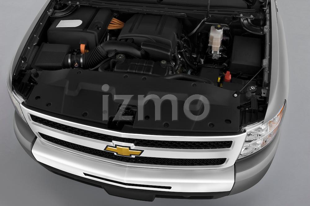 High angle engine detail of a 2009 Chevrolet Silverado Hybrid .