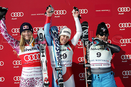 07 03 2010 Copyright Actionplus/GEPA Pictures Ski Alpine FIS WC Crans Montana Super G women Crans Montana Switzerland 07 Mar 10 Ski Alpine FIS World Cup Super G for women Award Ceremony Picture shows the cheering from Lindsey Vonn USA Dominique Gisin SUI and Juliet Mancuso USA .  Photo : Imago/Actionplus. Editorial Use UK.