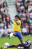MIDDLESBROUGH, INGLATERRA, 20 JULHO 2012 - AMISTOSO INTERNACIONAL - BRASIL X GRA-BRETANHA - O jogador Rafael, da Seleção Brasileira, durante amistoso contra a Grã-Bretanha, no estádio Riverside, em Middlesbrough, na Inglaterra, no último jogo antes do início da Olimpíada. (FOTO: GUILHERME ALMEIDA / BRAZIL PHOTO PRESS).
