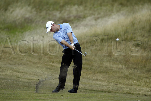 July 16, 2003: BEN CRANE (USA) playing an iron during practice, The Open Championship, Royal St George's Golf Club Photo: Neil Tingle/Action Plus...British 2003 golf golfer golfers player 030716