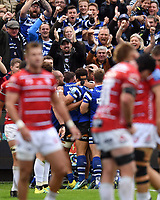 Bath Rugby players celebrate a try from Elliott Stooke in the second half. Gallagher Premiership match, between Bath Rugby and Gloucester Rugby on September 8, 2018 at the Recreation Ground in Bath, England. Photo by: Patrick Khachfe / Onside Images