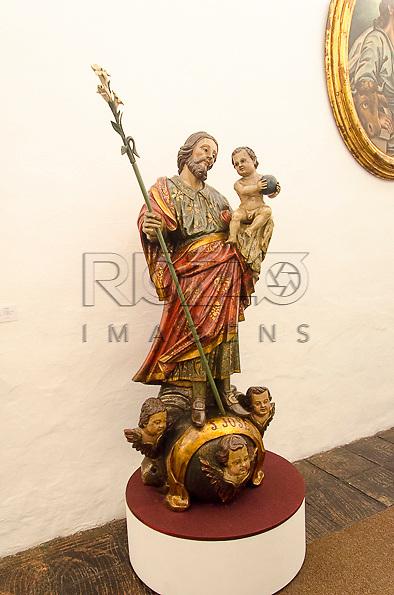 São José, século XVIII, madeira policromada. Acervo do Museu de Arte Sacra de São Paulo, São Paulo - SP, 02/2013.