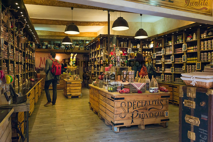 France, Provence-Alpes-Côte d'Azur, Nice: shopping in Old Town quarter - Provencal specialities | Frankreich, Provence-Alpes-Côte d'Azur, Nizza: Einkaufen in Nizzas Altstadtgassen - Provenzalische Spezialitaeten