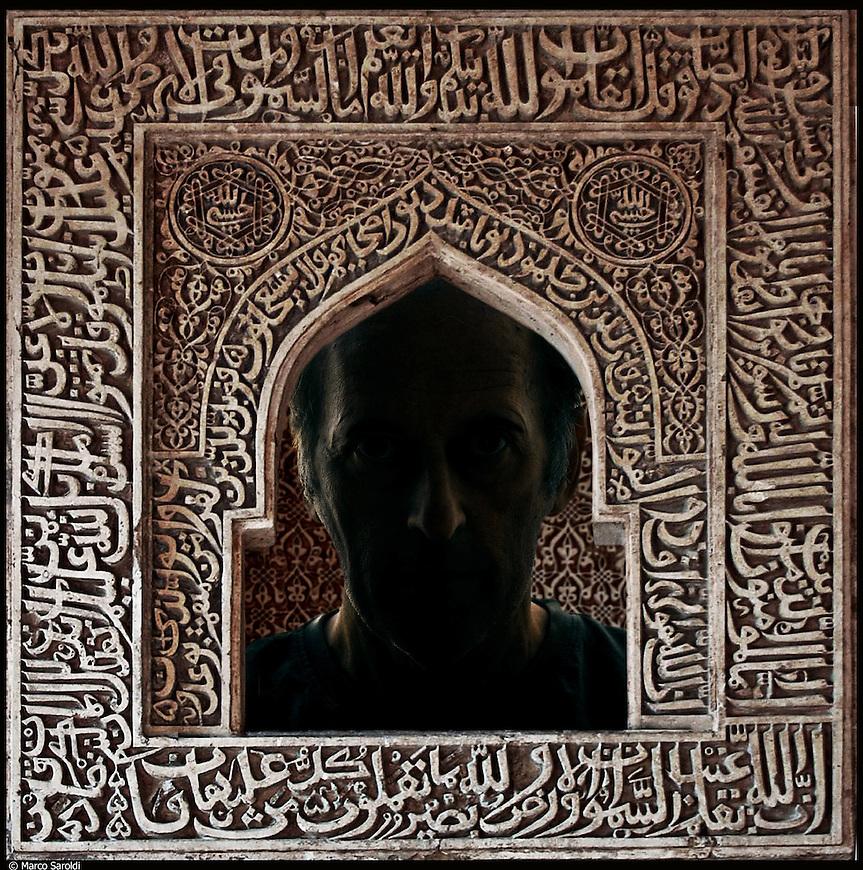 Anonimo, nato in Egitto, in Italia dal 1999.<br /> Dalla serie di ritratti ispirati a I Versi Satanici di Salman Rushdie, in rappresentanza delle principali culture spirituali del pianeta.