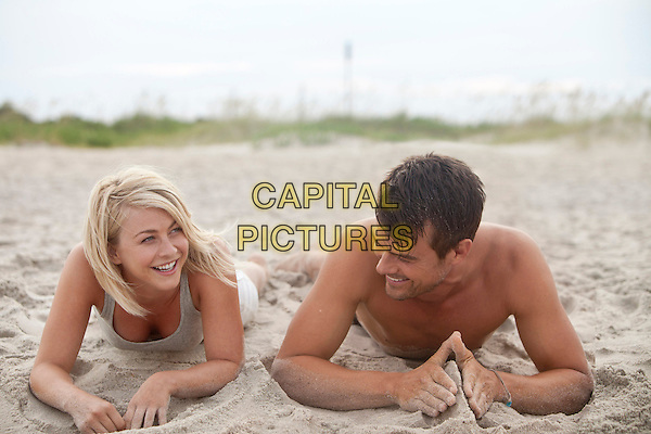 JULIANNE HOUGH, JOSH DUHAMEL.in Safe Haven (2013) .*Filmstill - Editorial Use Only*.CAP/FB.Supplied by Capital Pictures.