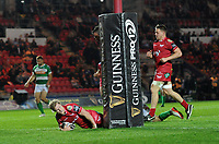 TRY - Scarlets' Aled Davies scores his sides eighth try<br /> <br /> Photographer Ashley Crowden/CameraSport<br /> <br /> Guinness PRO12 Round 19 - Scarlets v Benetton Treviso - Saturday 8th April 2017 - Parc y Scarlets - Llanelli, Wales<br /> <br /> World Copyright &copy; 2017 CameraSport. All rights reserved. 43 Linden Ave. Countesthorpe. Leicester. England. LE8 5PG - Tel: +44 (0) 116 277 4147 - admin@camerasport.com - www.camerasport.com