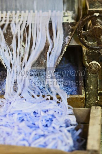 Europe/France/Provence-Alpes-Côte d'Azur/13/Bouches-du-Rhône/Marseille: Savonnerie La Licorne - Fabrication du Savon de Marseille parfumé à la lavande