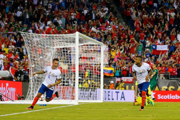 Action photo during the match Chile vs Bolivia at Gillette Stadium Copa America Centenario 2016. ---Foto  de accion durante el partido Chile vs Bolivia, En el Estadio Gillette, Partido Correspondiante al Grupo - D -  de la Copa America Centenario USA 2016, en la foto: festjeo de gol de Arturo Vidal<br /> <br /> --- 10/06/2016/MEXSPORT/PHOTOSPORT/ Andres Pina