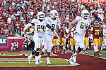 Oregon Ducks running back Kenjon Barner heads upfield against USC Trojans in the first half..Photo by Jaime Valdez