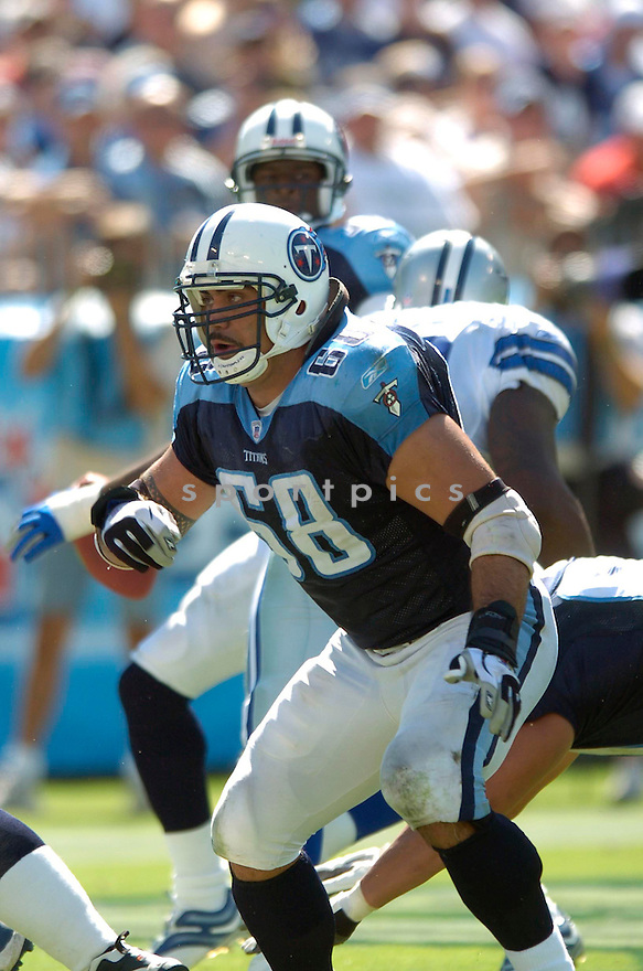 KEVIN MAWAE, of the Tennessee Titans , during their game against the Dallas Cowboys on October 1, 2006 in Nashville, Tennessee...Cowboy win 45-14..David Durochik / SportPics.