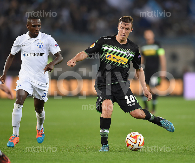 FUSSBALL   INTERNATIONAL   UEFA EUROPA LEAGUE   SAISON 2014/2015 FC Zuerich - VfL Borussia Moenchengladbach    02.10.2014 Max Kruse (re, Borussia Moenchengladbach) am Ball und Gilles Yapi (li, FC Zuerich)
