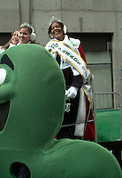 March 14 2004  Montreal, Quebec, Canada.<br /> <br /> <br /> Tara Hecksher , Half-irish and Half Nigerian Queen of the<br /> Saint-Patrick Day Parade in Montreal, March 14 2004<br /> <br /> <br /> Mandatory Credit: Photo by Pierre Roussel- Images Distribution. (&copy;) Copyright 2004 by Pierre Roussel