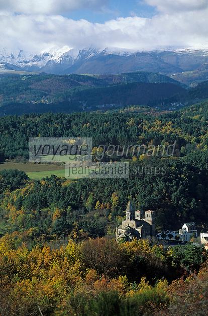 Europe/France/Auverne/63/Puy-de-Dôme/Parc Naturel Régional des Volcans/Massif du Sancy (1885 mètres): L'église de Saint-Nectaire