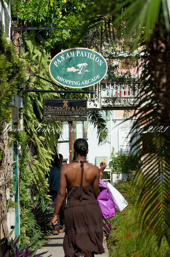 Shoppers in Christiansted<br /> St. Croix<br /> U.S. Virgin Islands
