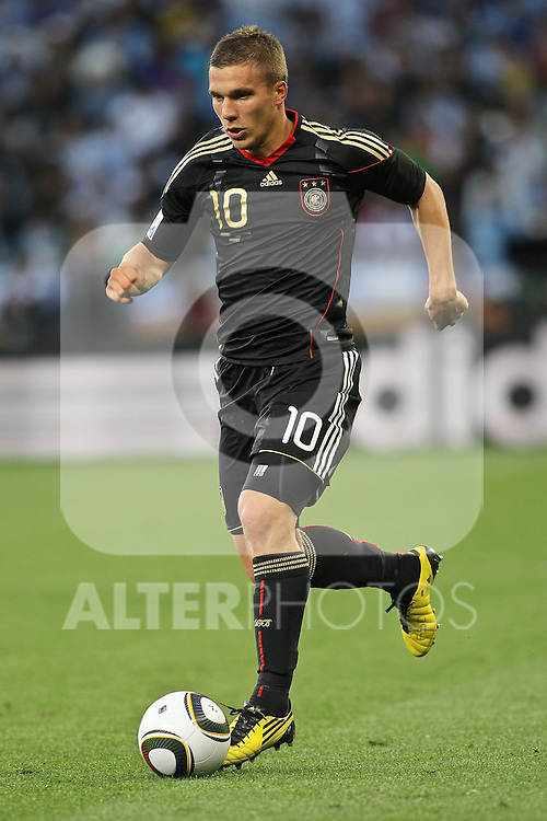 03.07.2010, CAPE TOWN, SOUTH AFRICA, im Bild .Lukas Podolski of Germany on the attack during the Quarter Final, Match 59 of the 2010 FIFA World Cup, Argentina vs Germany held at the Cape Town Stadium..Foto ©  nph /  Kokenge