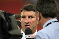 PICTURE BY VAUGHN RIDLEY/SWPIX.COM - Rugby League - Rugby League World Cup 2008 - England v New Zealand Semi-Final - Suncorp Stadium, Brisbane, Australia - 15/11/08...Copyright - Simon Wilkinson - 07811267706...England's Tony Smith speaks to Sky Sports post match
