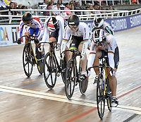 CALI – COLOMBIA – 02-03-2014: Kristina Vogel (Der.) de Alemania gana la prueba Keirin Damas Final en el Velodromo Alcides Nieto Patiño, sede del Campeonato Mundial UCI de Ciclismo Pista 2014. /Kristina Vogel (R)of Alemania wins the test of Women´s Keirin Finals in Alcides Nieto Patiño Velodrome, home of the 2014 UCI Track Cycling World Championships. Photos: VizzorImage / Luis Ramirez / Staff.