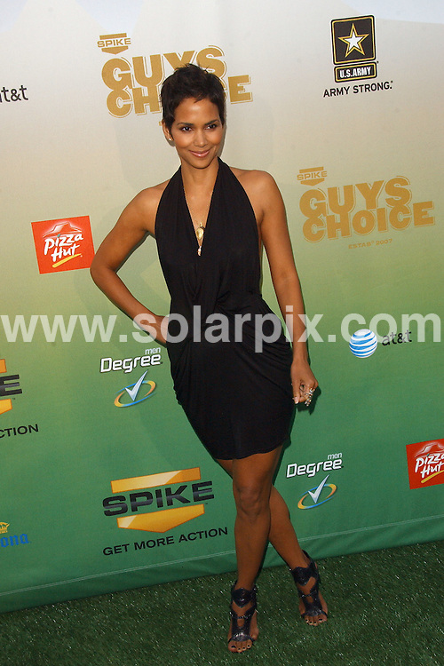 **ALL ROUND PICTURES FROM SOLARPIX.COM**.**SYNDICATION RIGHTS FOR UK, AUSTRALIA, DENMARK, PORTUGAL, S. AFRICA, SPAIN & DUBAI (U.A.E) ONLY**.arrivals for the 2009 SpikeTV's Guy's Choice Awards. Held at Sony Studios, Culver City, CA. USA. 30 May 2009..This pic: Halle Berry..JOB REF: 9131 PHZ (Ortega)   DATE: 30_05_2009.**MUST CREDIT SOLARPIX.COM OR DOUBLE FEE WILL BE CHARGED**.**ONLINE USAGE FEE GBP 50.00 PER PICTURE - NOTIFICATION OF USAGE TO PHOTO @ SOLARPIX.COM**.**CALL SOLARPIX : +34 952 811 768 or LOW RATE FROM UK 0844 617 7637**