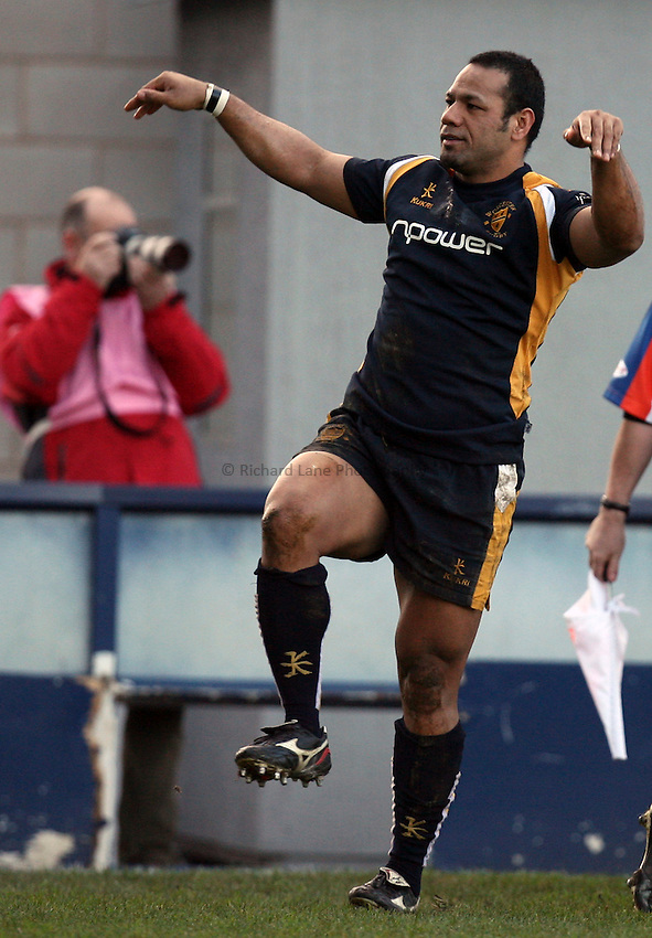 Photo: Rich Eaton...Worcester Warriors v Newport Gwent Dragons. EDF Energy Anglo Welsh Cup. 02/12/2006. Aisea Havili of Worcester celebrates his try where he impersonates a Raven,  which he picked up whilst playing with Gareth Thomas in Bridgend several years ago