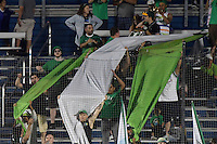 HEMPSTEAD - USA. 13-07-2016: Hinchas del New York Cosmos animan a su equipo durante el encuentro con Jacksonville Armada FC por la temporada de otoño 2016 de la North American Soccer League (NASL) jugado en el estadio James M. Shuart Stadium de la ciudad de Hempstead, NY./ Fans of New York Cosmos cheer for their team during the match against Jacksonville Armada FC for the fall season 2016 of the  North American Soccer League (NASL) played at James M. Shuart Stadium in Hempstead, NY. Photo: VizzorImage/ Gabriel Aponte / Staff